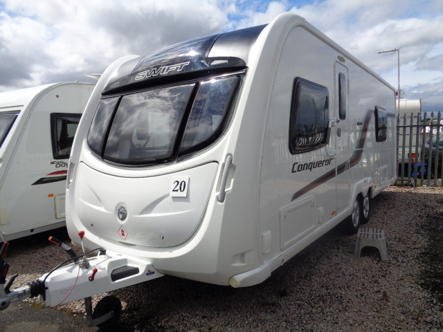 Caravan No. 20 – 2014 Swift Conqueror 630 T6E T/A, 4 berth £19,300
