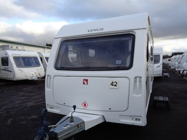 Caravan No. 42 – 2014 Lunar Venus 500/4, 4 berth, £11,700