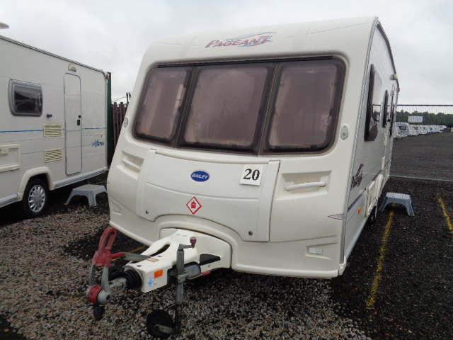 Caravan No. 20 – 2005 Bailey Pageant Provence, 5 berth, £6,800
