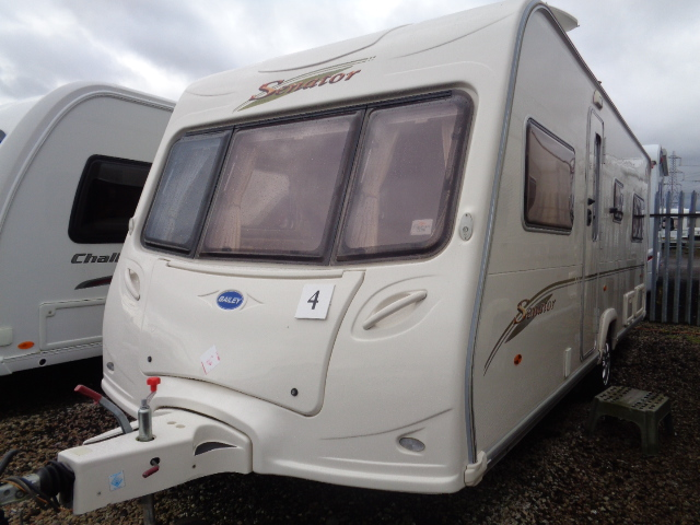 Caravan No. 04 – 2006 Bailey Senator Indiana, 4 berth, £7,800
